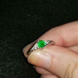 Jewelry - Sterling Silver Emerald Cubic Zirconia Ring Size 4